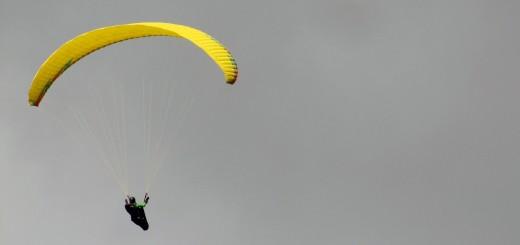 parachute-542799_1920